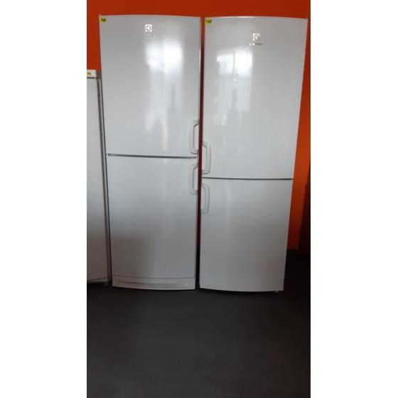 Холодильник Electrolux (Швеция) модель ERB34258W