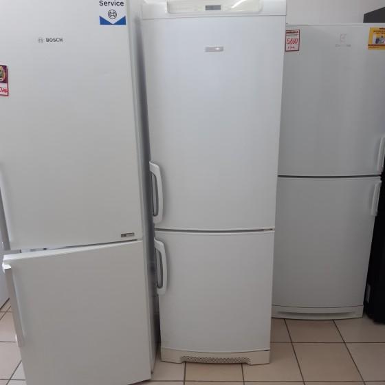 Холодильник ELECTROLUX ENB31400W