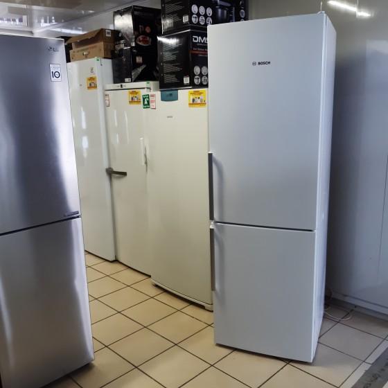 Холодильник BOSCH KGE36AW42