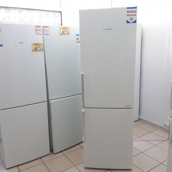 Холодильник BOSCH KGE36AW40