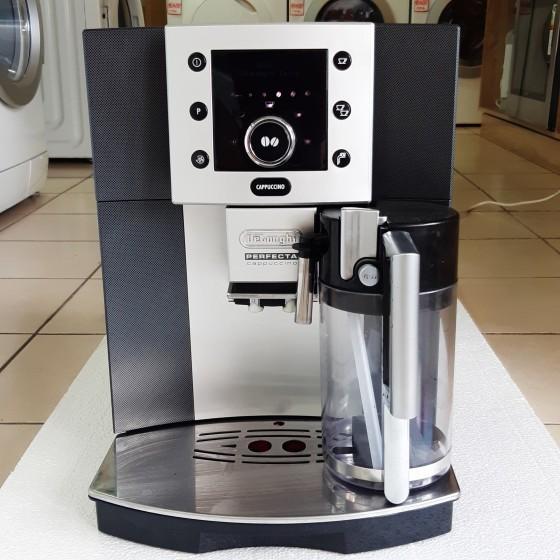 Кофемашина DELONGHI ESAM 5500. T