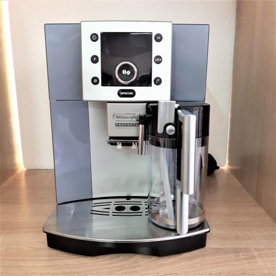 Кофемашина DELONGHI ESAM 5500. М