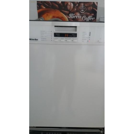 Посудомоечная машина фирмы Miele (Германия) G 1222 SCU